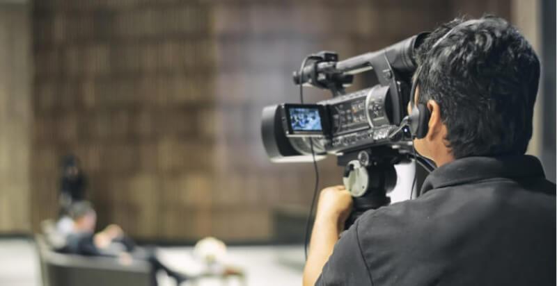 Por qué contratar una productora audiovisual para tu vídeo de empresa