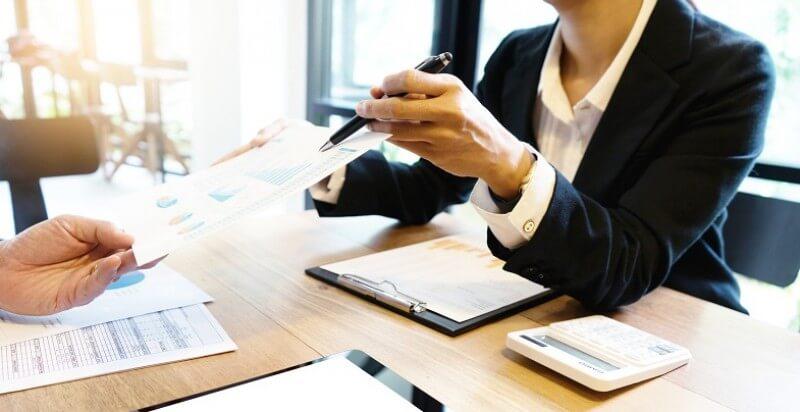 ¿Cómo te ayuda una gestoría?