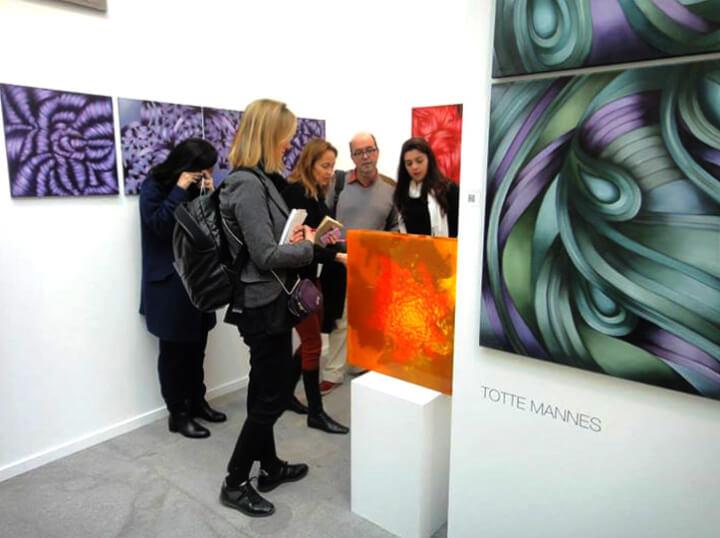 Recorridos por galerías de arte para empresas