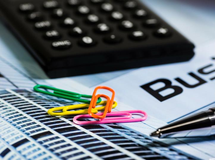Papel, consumibles y material de oficina