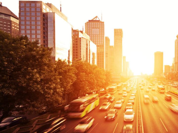 Servicio 24 horas de taxis y minivans