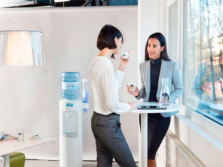 Agua a domicilio para tu oficina: 2 meses gratis