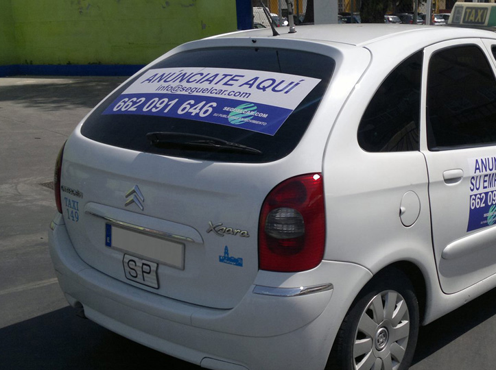 Promociona tu negocio en los taxis
