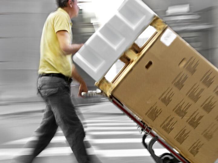 Almacenamiento y envío en 24 h. de tu stock