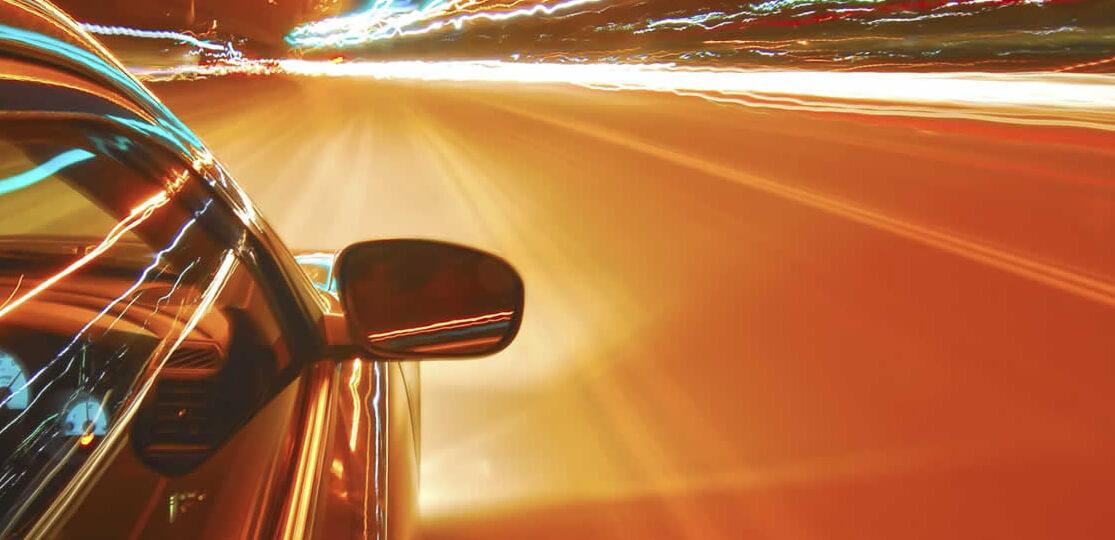 Un conductor te llevará a donde desees en un coche de alta gama
