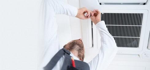 Mantenimiento o instalación de aire acondicionado (o calefacción)